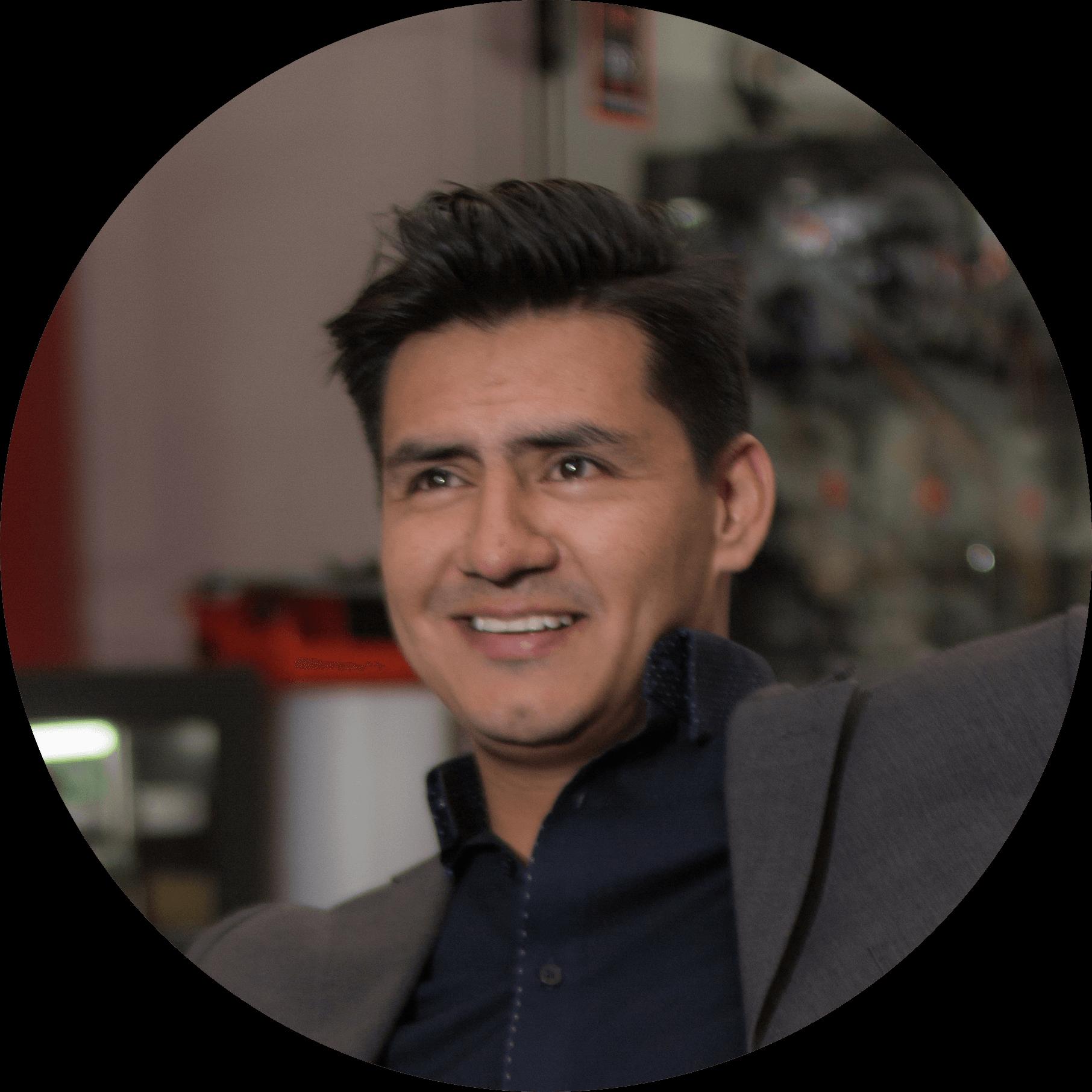 Camilo Vallejo socio de Prouvé 1